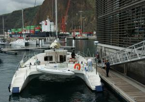 Catamaran Freydis 49 au port de Santa Cruz de La Palma Canaries